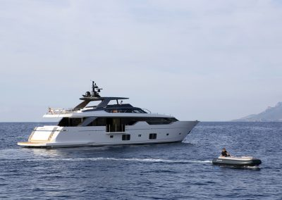 Zodiac eJET 450 jet boat tender